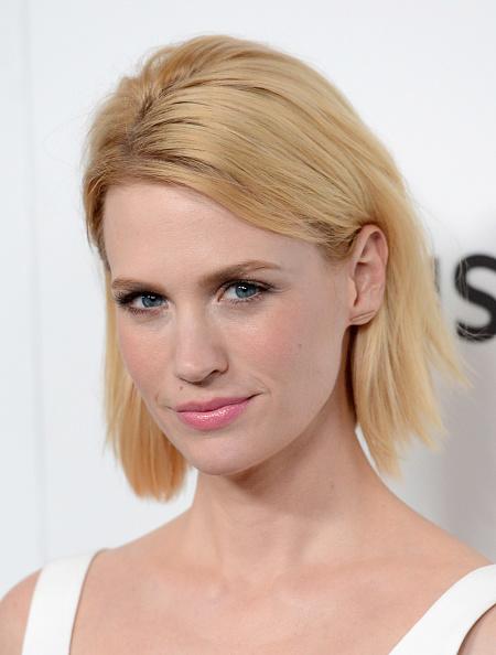 ピンク色の口紅「Premiere Of AMC's 'Mad Men' Season 6 - Arrivals」:写真・画像(16)[壁紙.com]