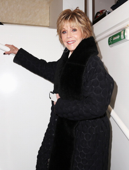 Fur Trim「Jane Fonda Visits L'Oreal Make Up Studio - 63rd Berlinale International Film Festival」:写真・画像(9)[壁紙.com]
