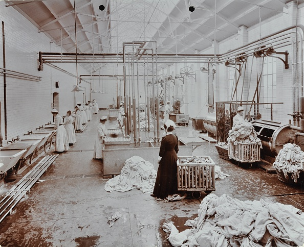 Washing「The Laundry Room, Long Grove Hospital, Surrey, 1910. Artist: Unknown.」:写真・画像(5)[壁紙.com]
