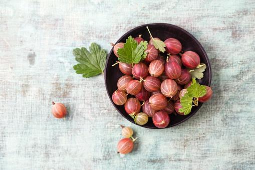 Gooseberry「Bowl of red gooseberries」:スマホ壁紙(3)