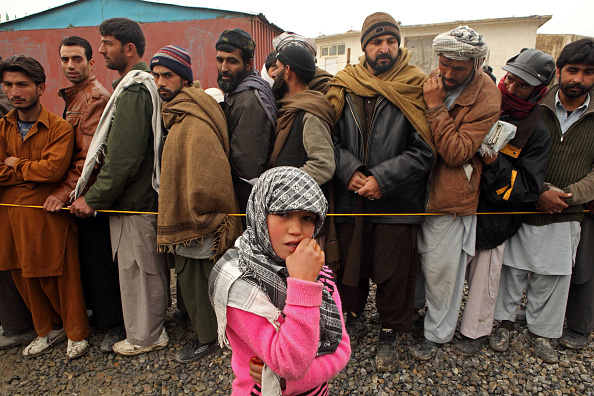 Kabul「Displaced Afghans Receive Aid Supplies From The UNHCR」:写真・画像(17)[壁紙.com]