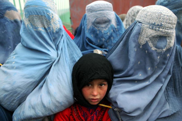 Kabul「Displaced Afghans Receive Aid Supplies From The UNHCR」:写真・画像(19)[壁紙.com]