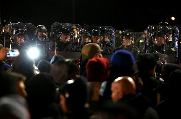 2014-15 Ferguson Unrest「Grand Jury Decision Reached In Ferguson Shooting Case」:写真・画像(9)[壁紙.com]