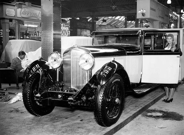 Bentley「Redesigned Bentley」:写真・画像(3)[壁紙.com]