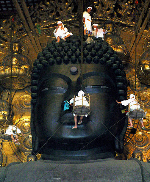 Buddha at Todaiji Temple Is Cleaned Ahead Of Festival:ニュース(壁紙.com)