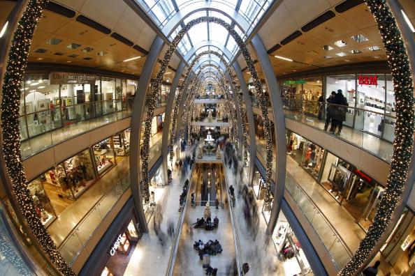 Philipp Guelland「Retailers Hope For Strong Christmas Season」:写真・画像(12)[壁紙.com]