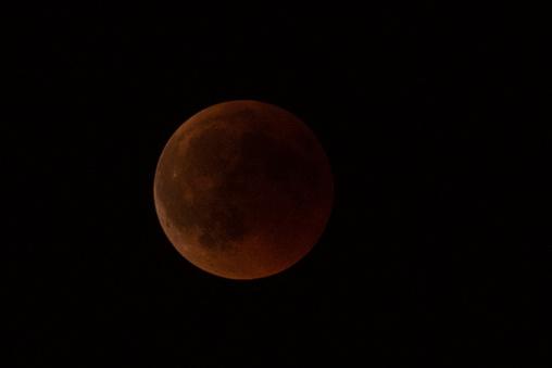 皆既月食「Total Lunar Eclipse」:スマホ壁紙(19)