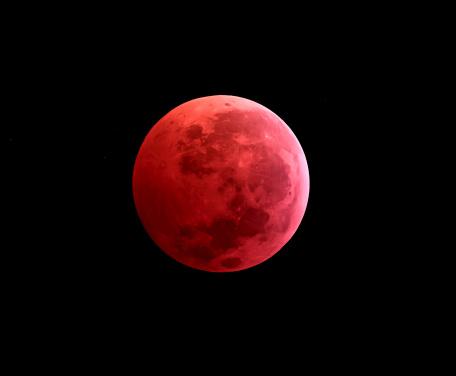 皆既月食「Total lunar eclipse taken on December 10, 2011.」:スマホ壁紙(12)