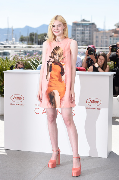 """Elle Fanning「""""How To Talk To Girls At Parties"""" Photocall - The 70th Annual Cannes Film Festival」:写真・画像(4)[壁紙.com]"""