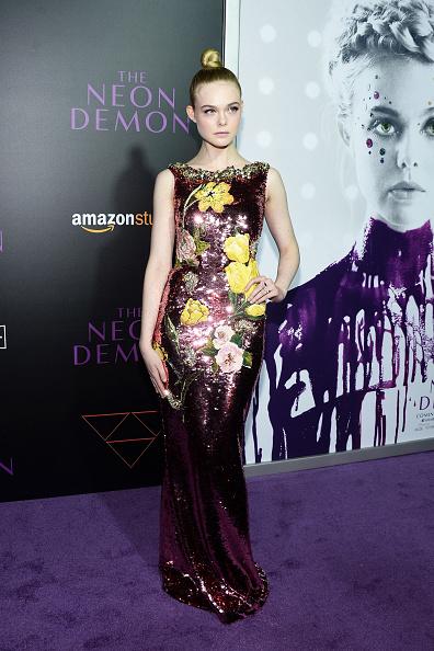 """Elle Fanning「Premiere Of Amazon's """"The Neon Demon"""" - Arrivals」:写真・画像(6)[壁紙.com]"""