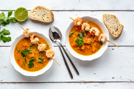 Ginger - Spice「Two bowls of sweet potato soup with  shrimps, coconut flakes and fresh coriander」:スマホ壁紙(11)