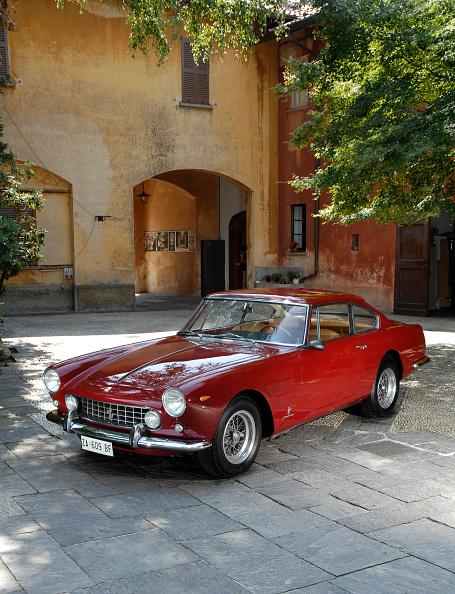 Ferrari「1962 Ferrari 250 GTE 2+2」:写真・画像(19)[壁紙.com]