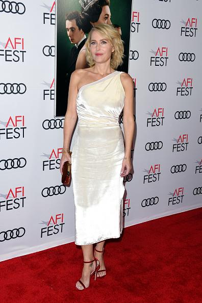 """Asymmetric Dress「AFI FEST 2019 Presented By Audi – """"The Crown"""" Premiere – Arrivals」:写真・画像(5)[壁紙.com]"""