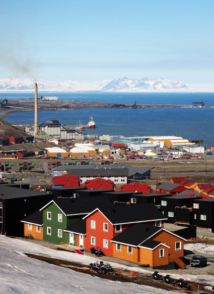 Svalbard Islands「Midsummer In The Arctic Archipelago Svalbard」:写真・画像(1)[壁紙.com]