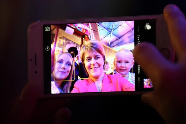 Wireless Technology「Nicola Sturgeon Visits A Theme Park」:写真・画像(17)[壁紙.com]