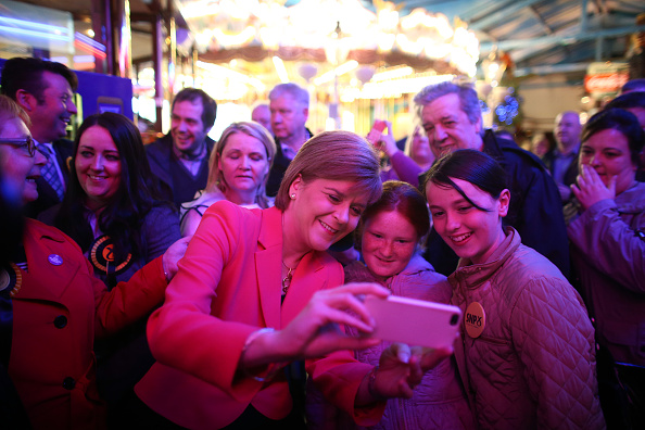 Wireless Technology「Nicola Sturgeon Visits A Theme Park」:写真・画像(16)[壁紙.com]