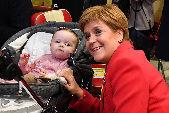 Toddler「SNP Leader Sturgeon Campaigns In Rutherglen And Dumfries」:写真・画像(8)[壁紙.com]