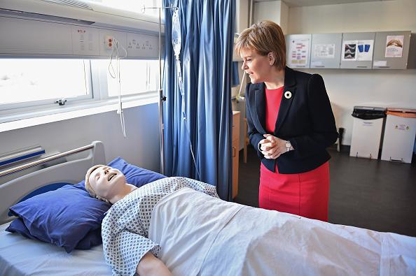 East Lothian「Scotland's First Minister Visits A Nursing College」:写真・画像(11)[壁紙.com]