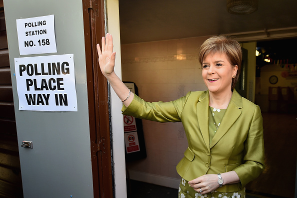 Politics and Government「Leader Of The SNP, Nicola Sturgeon, Casts Her Vote As The UK Goes To The Polls」:写真・画像(4)[壁紙.com]