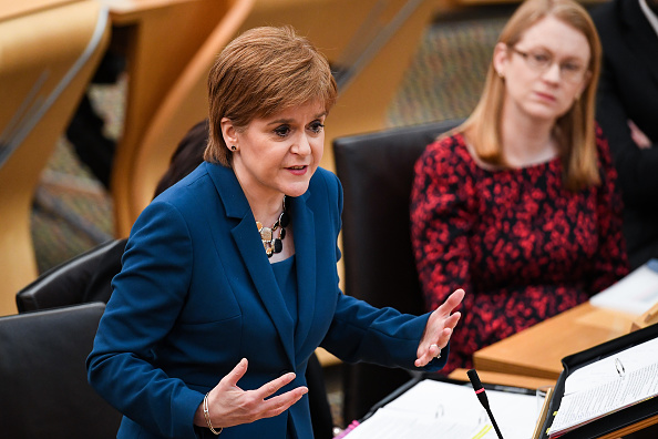 Answering「Nicola Sturgeon Takes First Minister's Questions」:写真・画像(16)[壁紙.com]
