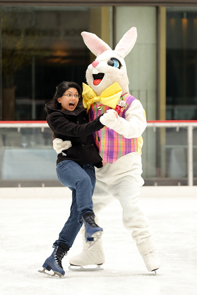 Easter Bunny「The Easter Bunny Skates On The Rink At Rockefeller Center」:写真・画像(19)[壁紙.com]