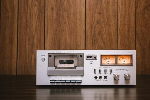 1980-1989「Cassette Player Stereo in Retro Style」:スマホ壁紙(9)