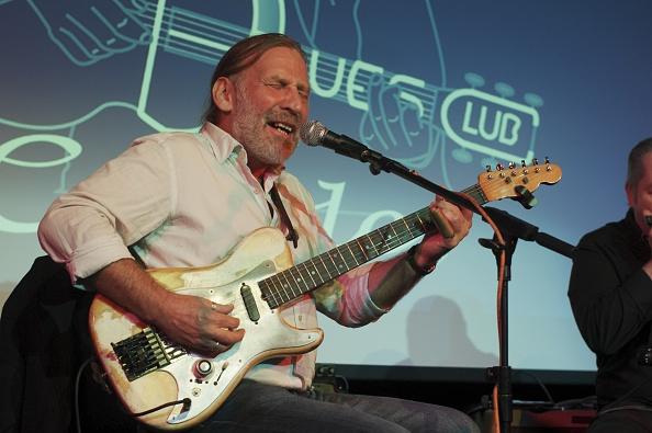 Plucking An Instrument「Steve Morrison, Crawley Blues Festival, Hawth, Crawley, Oct 2015」:写真・画像(8)[壁紙.com]