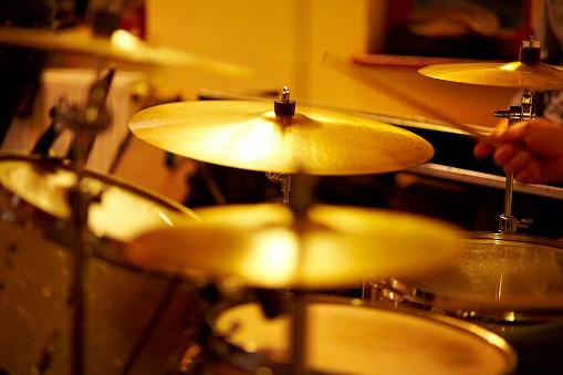 Rock Music「Cymbals, hi hat on stage」:スマホ壁紙(11)