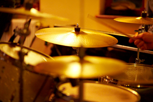 Rock Music「Cymbals, hi hat on stage」:スマホ壁紙(4)