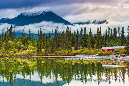 Yukon「Destruction Bay」:スマホ壁紙(2)