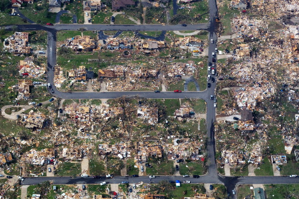 Missouri「Over One Hundred Dead As Major Tornado Devastates Joplin, Missouri」:写真・画像(11)[壁紙.com]