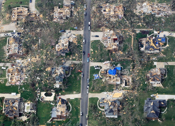Missouri「Over One Hundred Dead As Major Tornado Devastates Joplin, Missouri」:写真・画像(17)[壁紙.com]