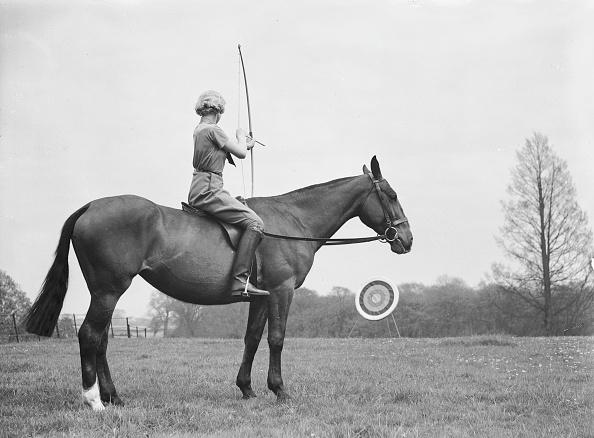 Livestock「Archery On Horseback」:写真・画像(19)[壁紙.com]