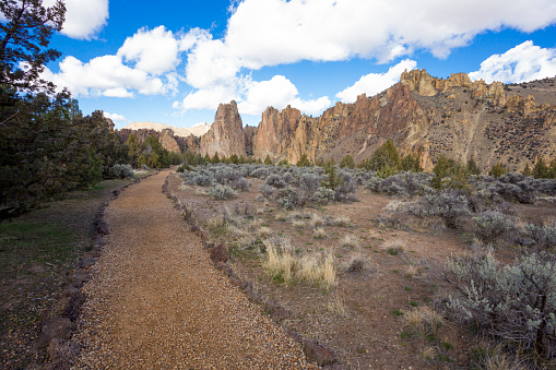 Footpath「Smith Rock State Park in Central Oregon」:スマホ壁紙(8)