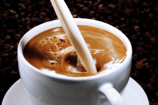 Spraying「Coffee with milk」:スマホ壁紙(18)