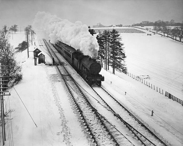 鉄道・列車「Steam Train In Snow」:写真・画像(8)[壁紙.com]