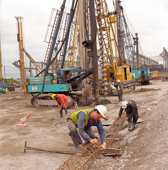 静物「Fabricating steel reinforcement cages for concrete piles. Connahs Quay gas fired power station, North Wales, United Kingdom.」:写真・画像(4)[壁紙.com]