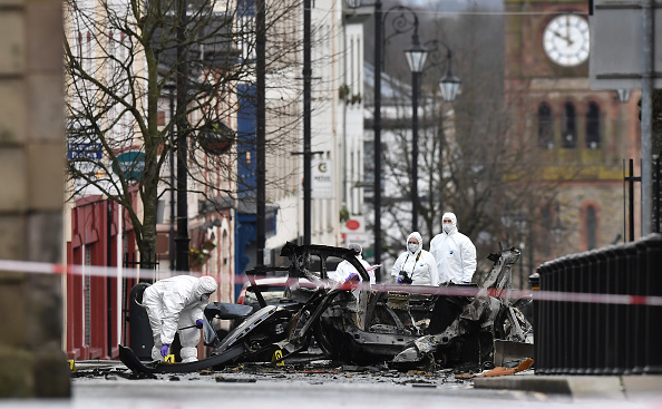 Forensic Science「Police And Forensics Attend Scene After Car Bomb At Londonderry Courthouse」:写真・画像(17)[壁紙.com]