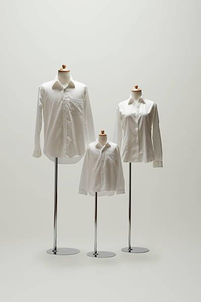 family mannequin dressing a white shirt.:スマホ壁紙(壁紙.com)