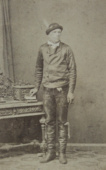 1900「Man With A Farmer'S Hat; Leather Pants And Boots. Full Figure. About 1900. Carte-De-Visite Photograph By Robert Steidl. Bruck An Der Leitha.」:写真・画像(16)[壁紙.com]