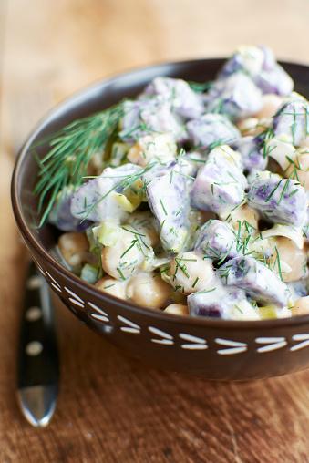 Peruvian Potato「Purple potato salad with chickpeas and dill」:スマホ壁紙(18)