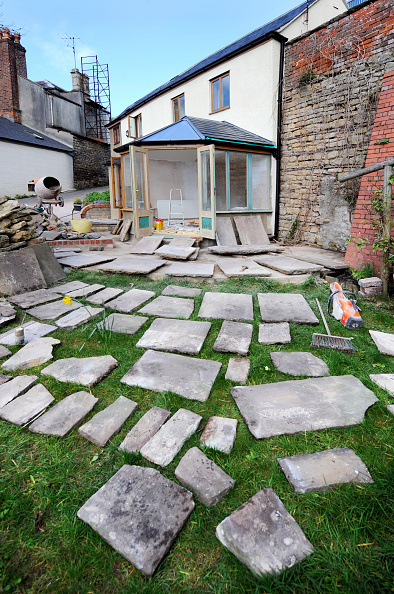 Home Improvement「Natural stone slabs laid out in the planning of a patio, Gloucestershire UK」:写真・画像(8)[壁紙.com]