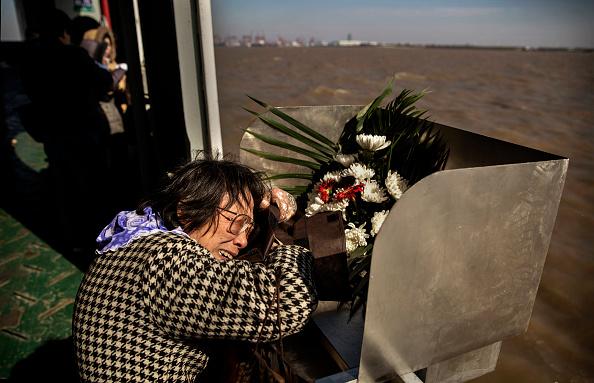 Passenger Craft「Chinese Encouraged To Bury Deceased At Sea」:写真・画像(4)[壁紙.com]