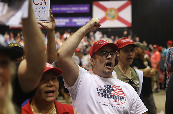 MAGA「Donald Trump Holds Make America Great Again Rally In Tampa」:写真・画像(6)[壁紙.com]