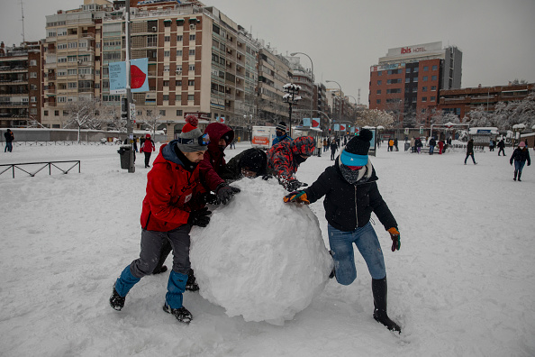 Madrid「Snow Hits Madrid As Temperatures Plummet In Spain」:写真・画像(9)[壁紙.com]