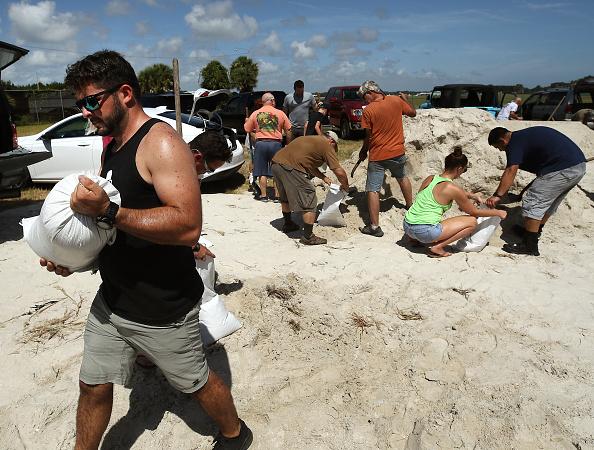 Sandbag「Florida Prepares For The Arrival Of Hurricane Dorian」:写真・画像(11)[壁紙.com]