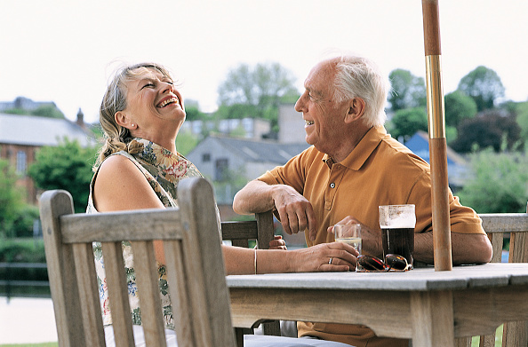 Cheerful「U.K. Pensioners」:写真・画像(1)[壁紙.com]