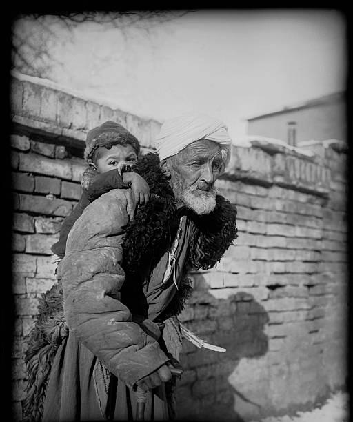 A Grandfather With A Grandson:ニュース(壁紙.com)