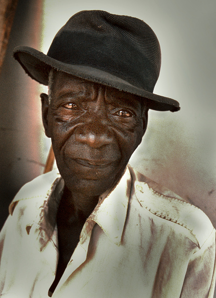 男性一人「Tanzanian Farmer」:写真・画像(7)[壁紙.com]