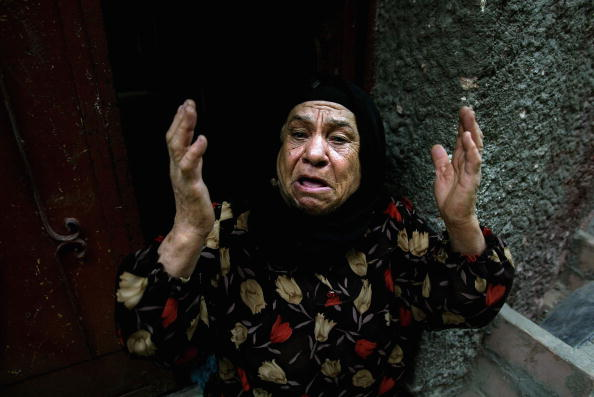 Senior Women「Six Killed In Israeli Raid Of Refugee Camp In Rafah」:写真・画像(14)[壁紙.com]